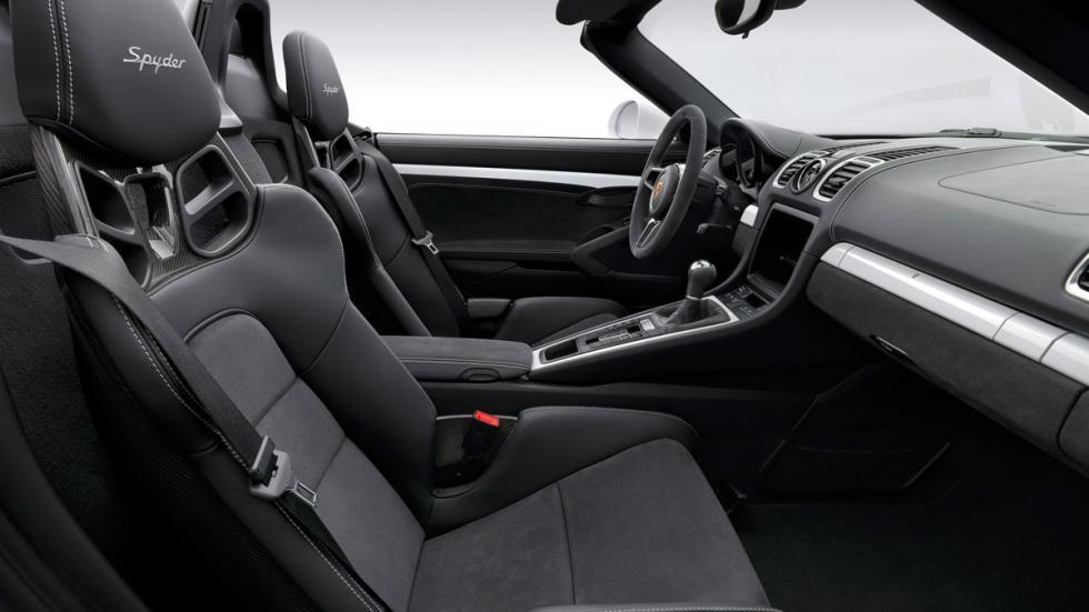 Porsche Boxster Spyder 2015 interior