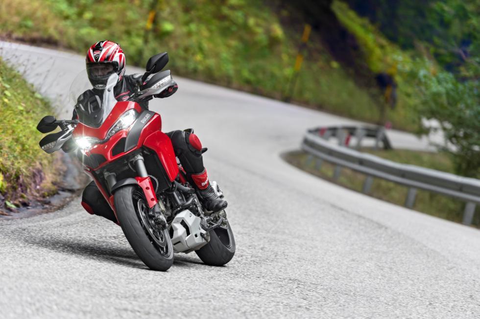 Ducati Multistrada 1200 : en curva