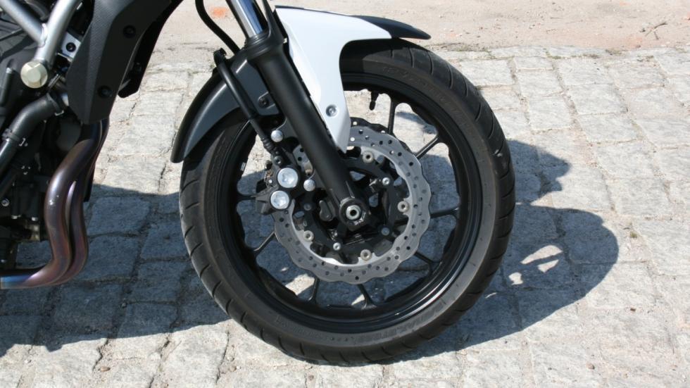 Prueba-Yamaha-MT-07-frenos-ABS