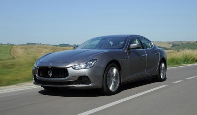 Maserati Ghibli tres cuartos delanteros.
