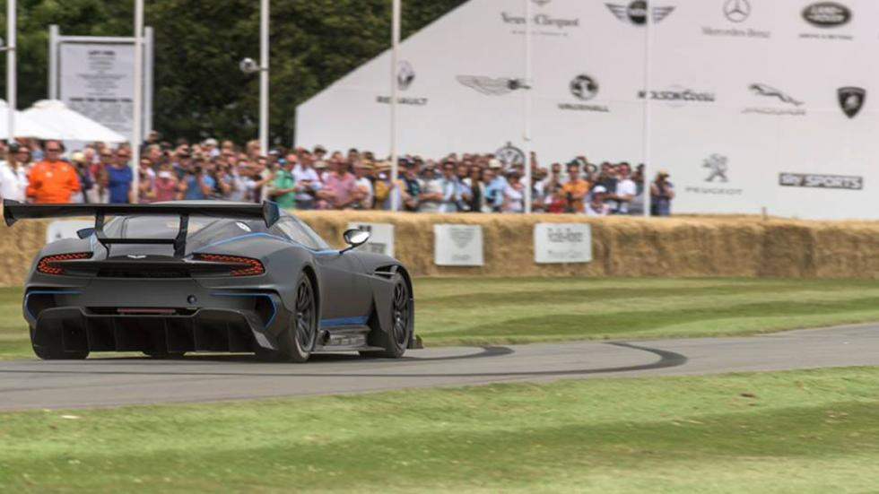 superdeportivos-mas-increibles-goodwood-Aston-Martin-Vulcan-zaga