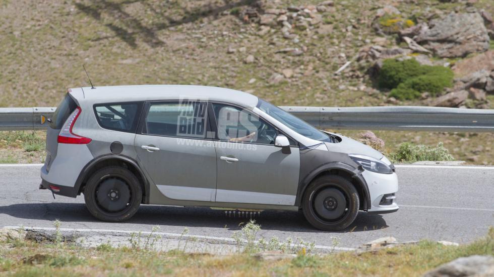 Renault Grand Scenic 2017 mula lateral