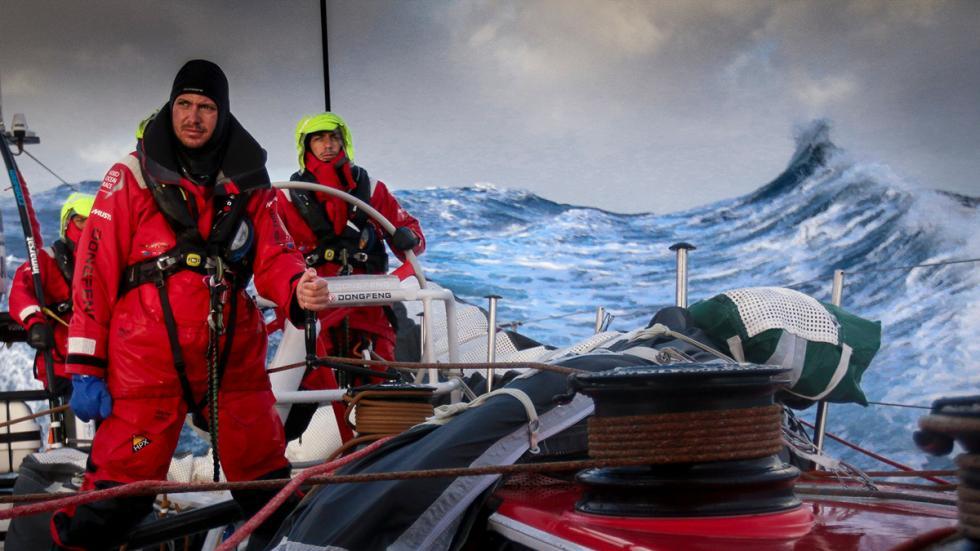 Ola detrás de Dongfeng Race Team Volvo Ocean Race 2014-2015
