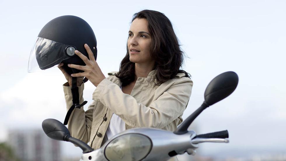 operación-salida-moto-casco