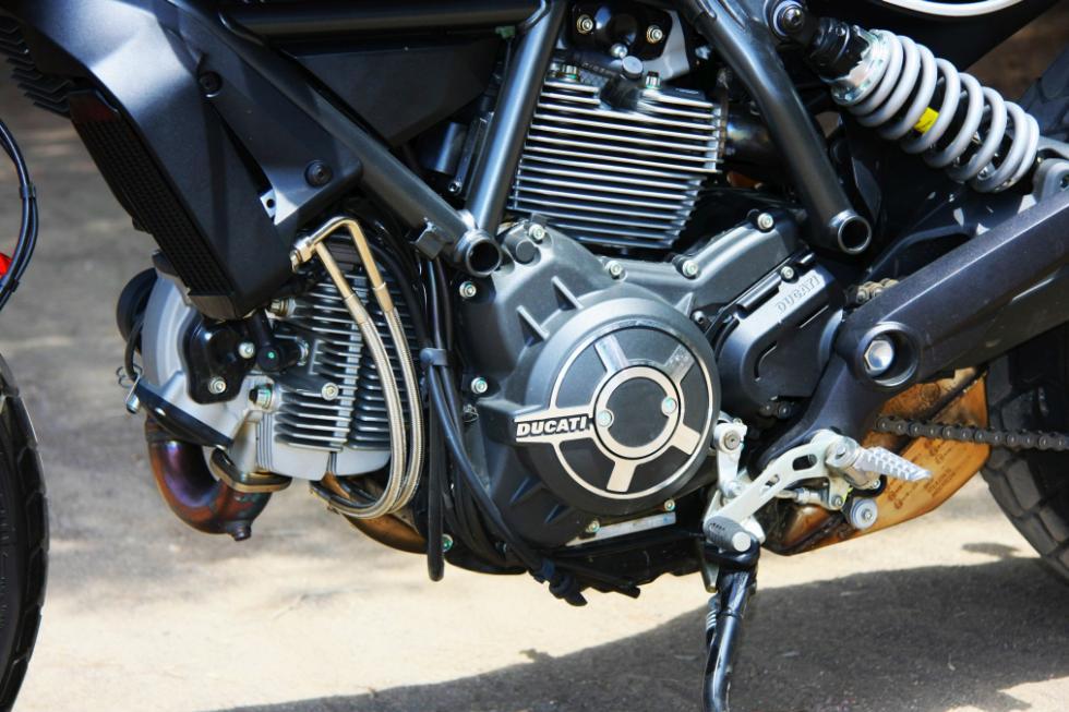 Ducati Scrambler Icon motor V2
