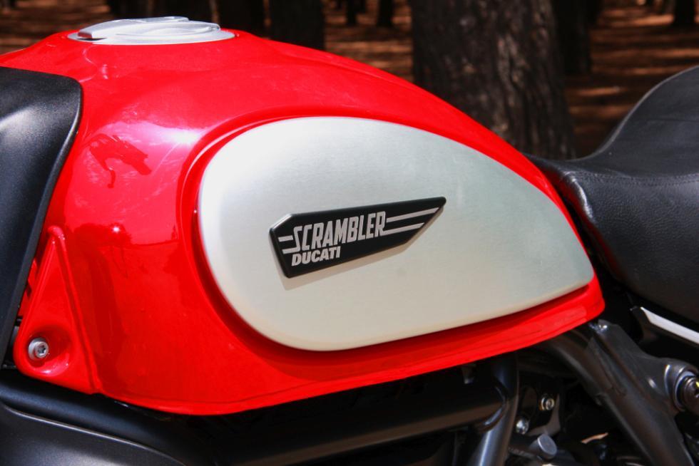 Ducati Scrambler Icon  depósito gasolina