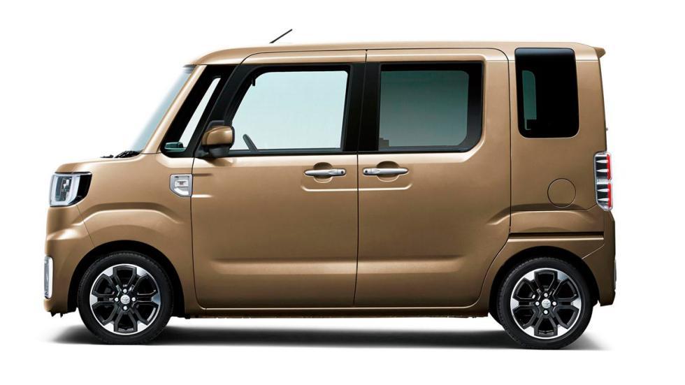 Toyota Pixis Mega lateral