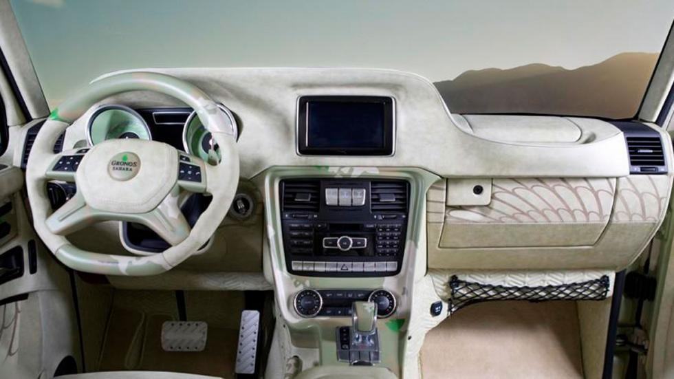 Mansory G63 AMG Sahara salpicadero
