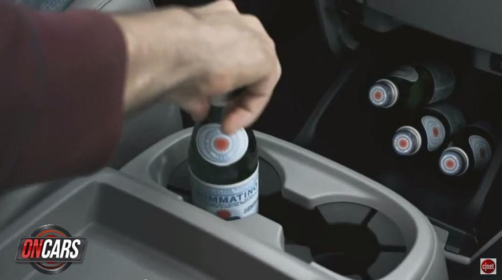 Soporte para botellas o latas en el coche