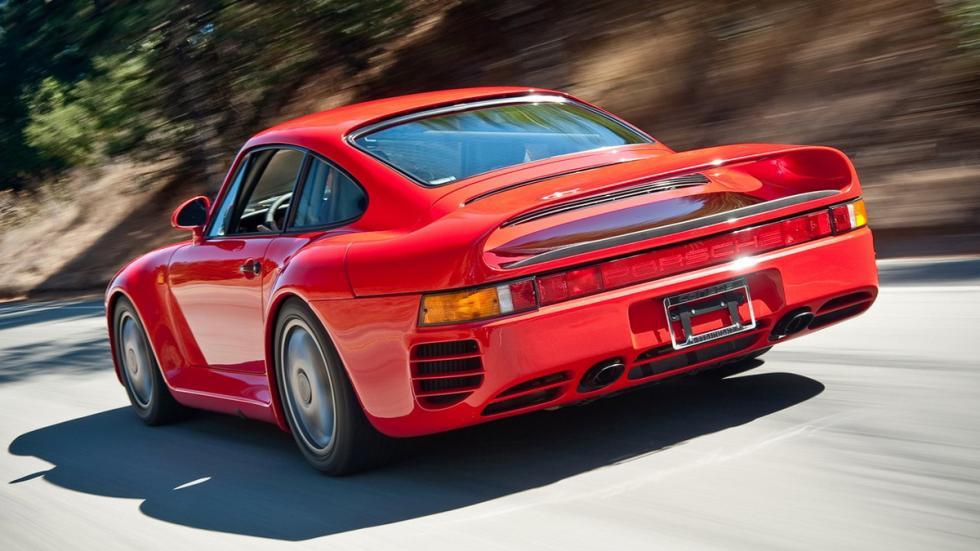 coches-antiguos-sigen-siendo-rapidos-Porsche-959-zaga