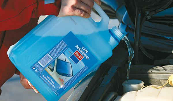 enfriar coche verano liquido limpia parabrisas