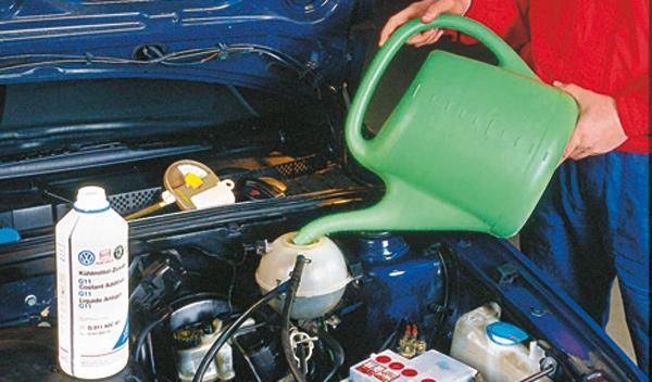 enfriar coche verano liquido refrigerante
