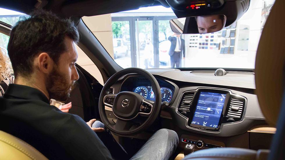 Rudy Fernández dentro de su Volvo XC90 First Edition
