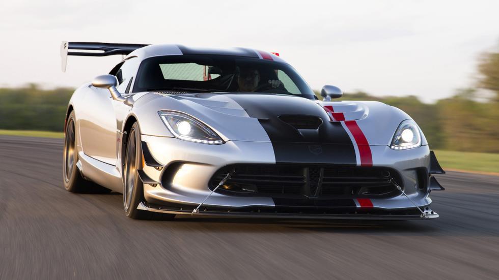 coches-serie-alerones-gigantescos-dodge-viper-acr-delantera