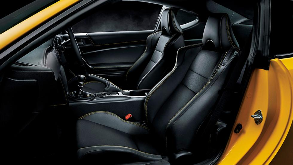 Toyota GT86 'Yellow Limited' interior