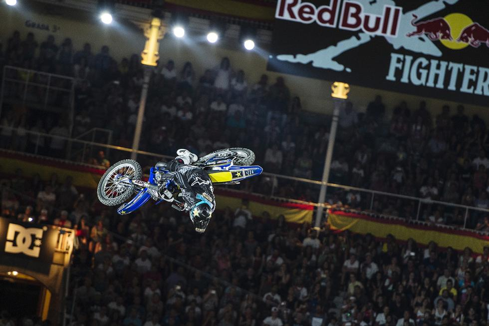 x-fighters-clinton-moore