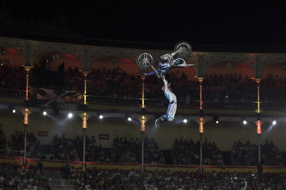 x-fighters-adam-jones