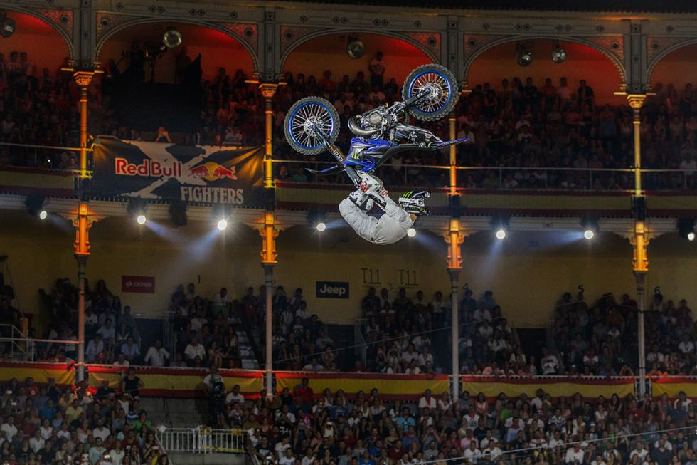 x-fighters-Taka-Higashino