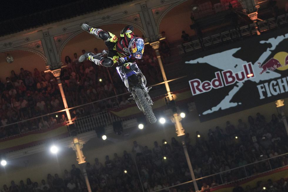 x-fighters-tom-pages
