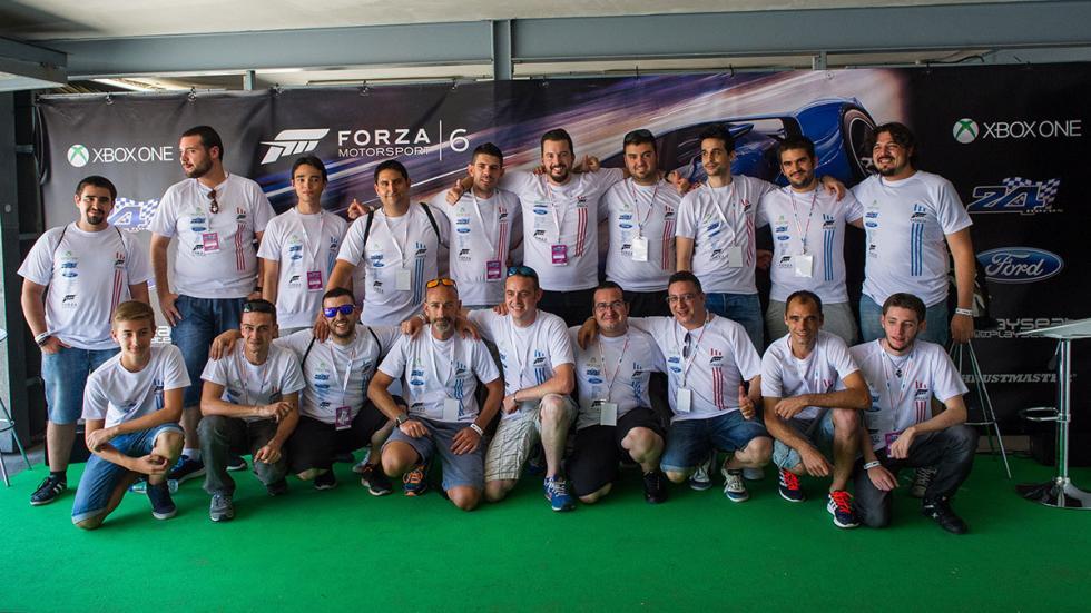 Equipos de la prueba virtual solidaria 24 Horas Ford con Forza Motorsport.