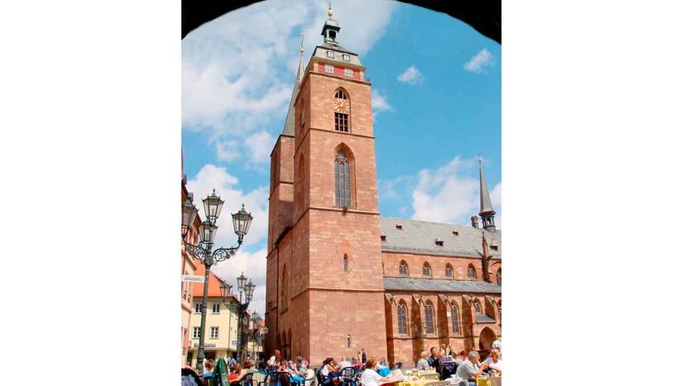 Neustadt: la colegiata de la iglesia, en la plaza del mercado.