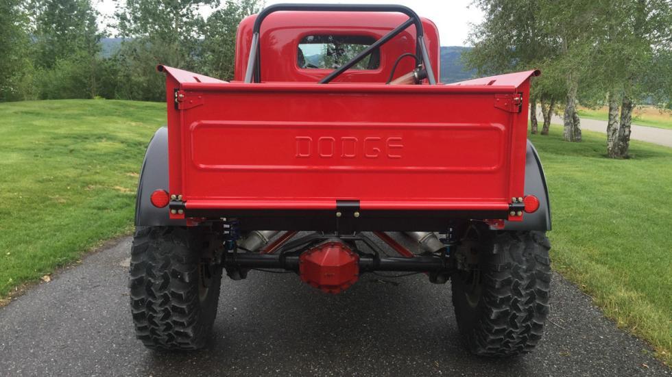 Dodge Power Wagon trasera