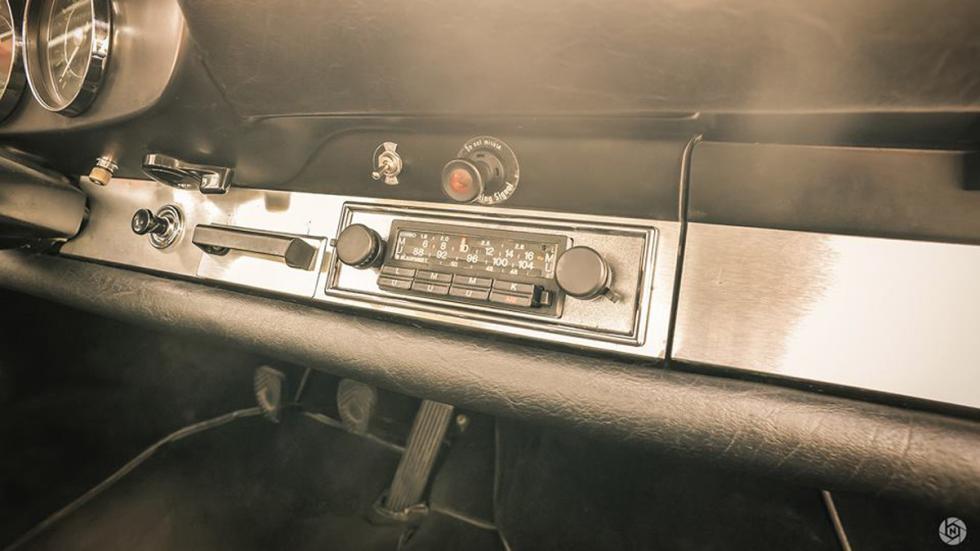Porsche 912 radio