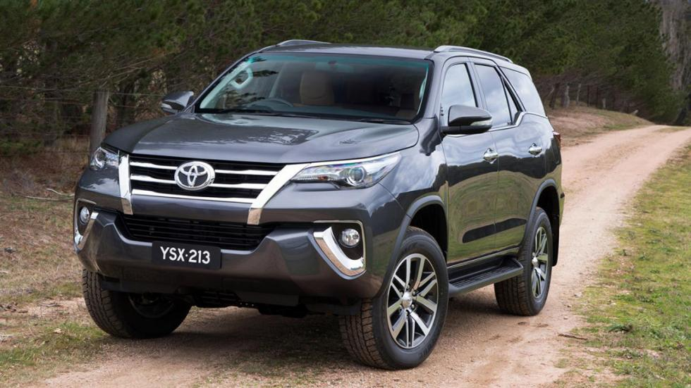 Toyota Fortuner frontal