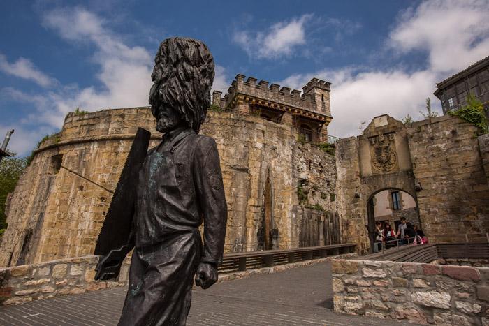 Puerta de Santa María, en Hondarribia.