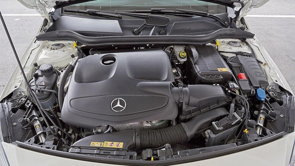 Mercedes Clase A interior motor