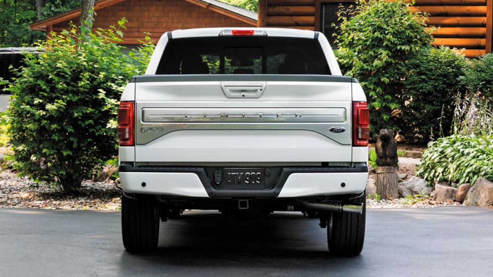 Ford F-150 Limited trasera