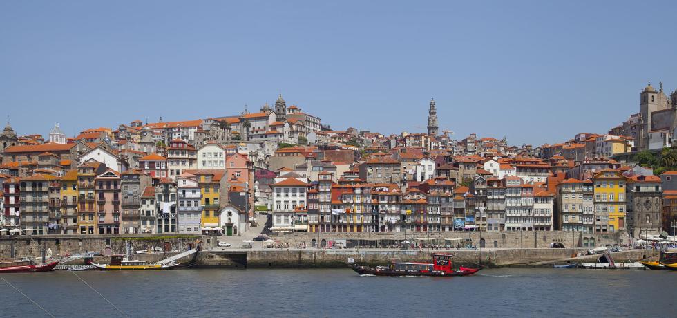 Vista de Oporto desde la otra orilla del Duero