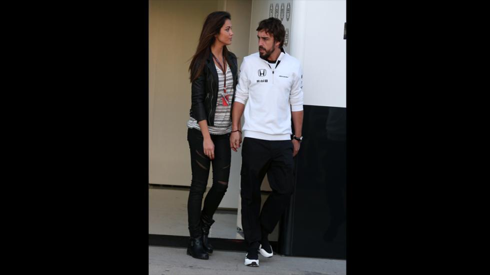 Lara Álvarez y Fernando Alonso en el Circuito de Jerez