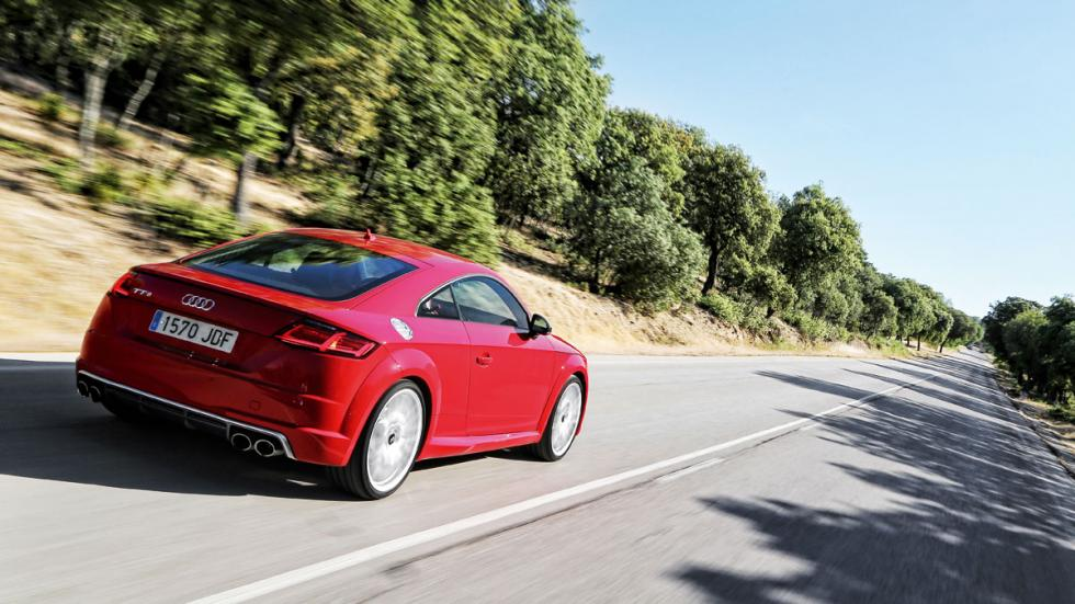 Audi TTS 2015 trasera