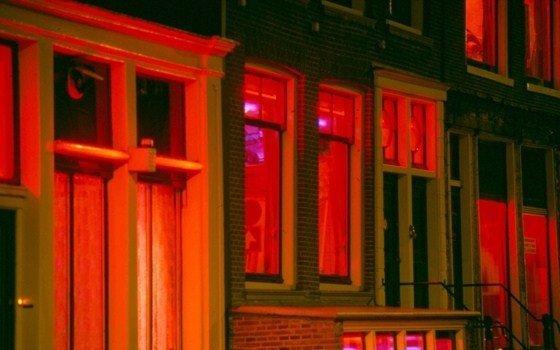 Una de las calles del Barrio Rojo de Amsterdam.