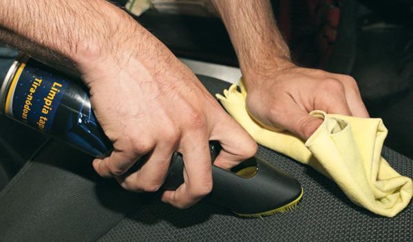 Limpiar tapicería del coche