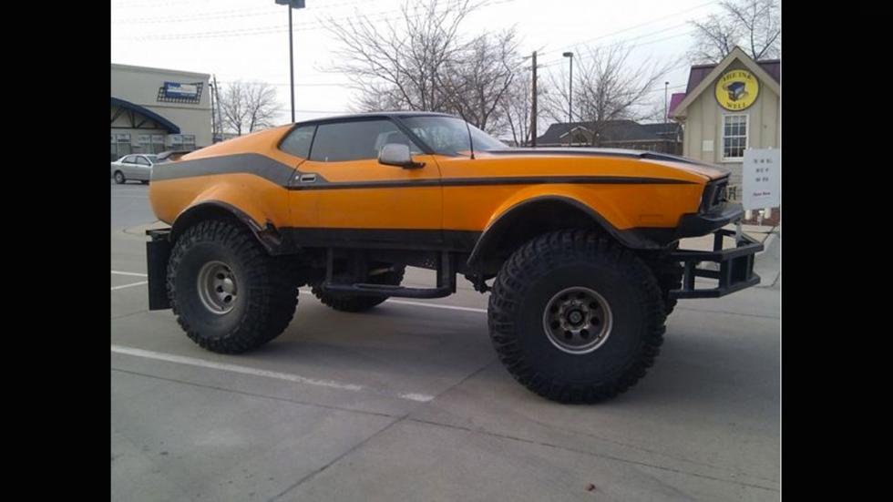 Monster truck ruedas gigantes mustang