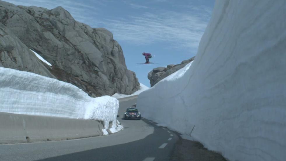 Un esquiador y un piloto se enfrentan en un fiordo