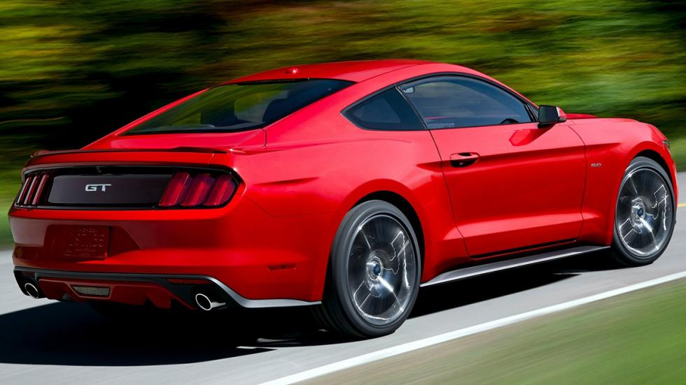 Ford Mustang GT 2015 trasera