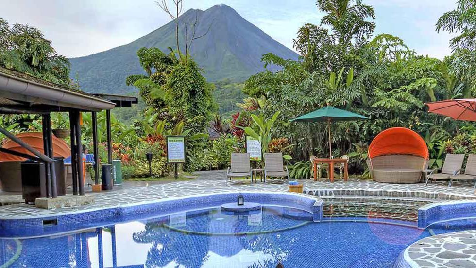 mejores hoteles del mundo Nayara Hotel, Spa & Gardens piscina