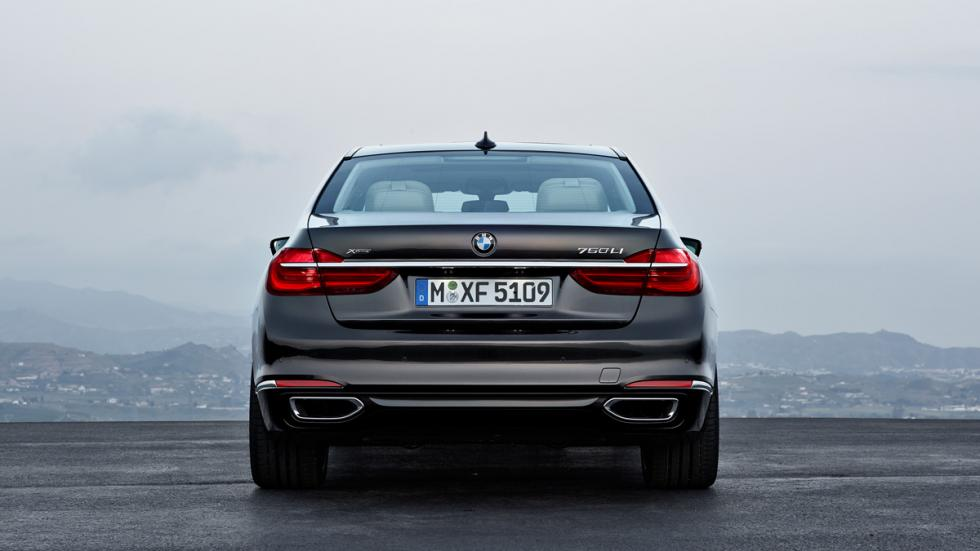 BMW Serie 7 2015 trasera