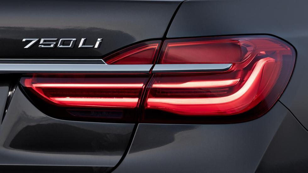 BMW Serie 7 2015 faro trasero