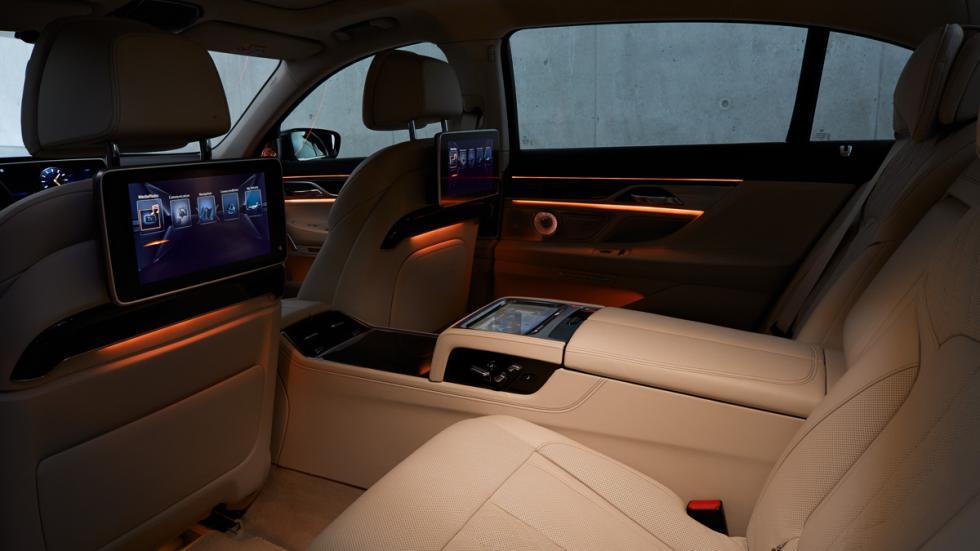 BMW Serie 7 2015 iluminacion asientos traseros