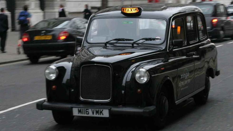 "Típico taxi (""cab"") londinense"