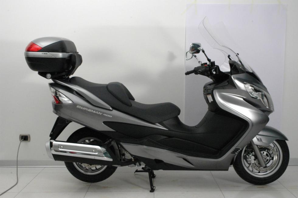 El baul trasero  es habitual en los scooters