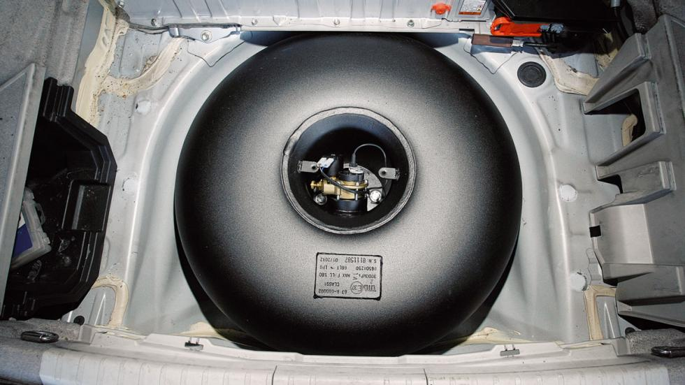 convertir coche a GLP: tanque
