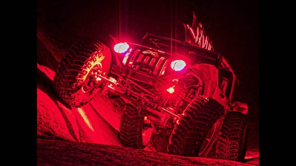 Jeep Wrangler salvaje fab fours noche