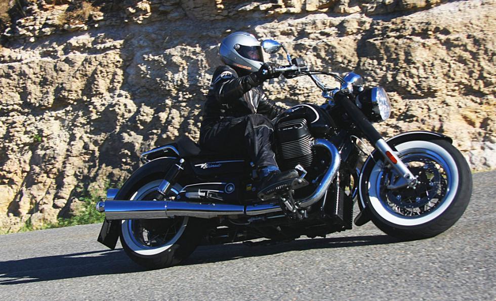 Moto Guzzi Eldorado 1400. ¡Acelerando!