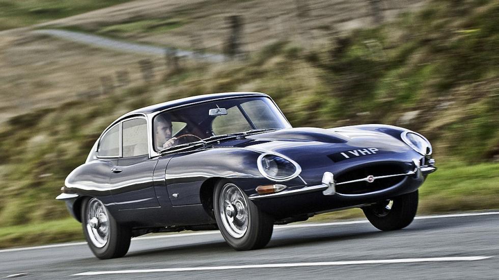Jaguar E-Type. Un clásico entre los clásicos, con 260 CV.