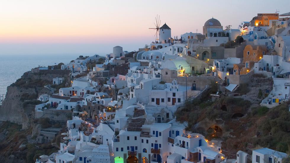 8 mejores carreteras mundo Thera Oia Santorini Grecia